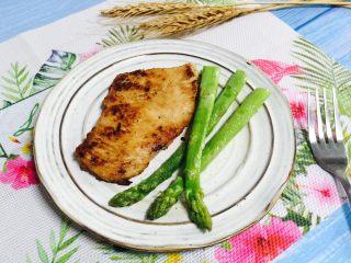 香煎鸡胸肉,低脂高蛋白