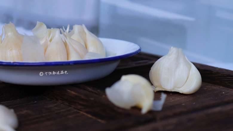 自制糖蒜,这样一星期你就可以吃到脆、嫩、爽的糖蒜了!