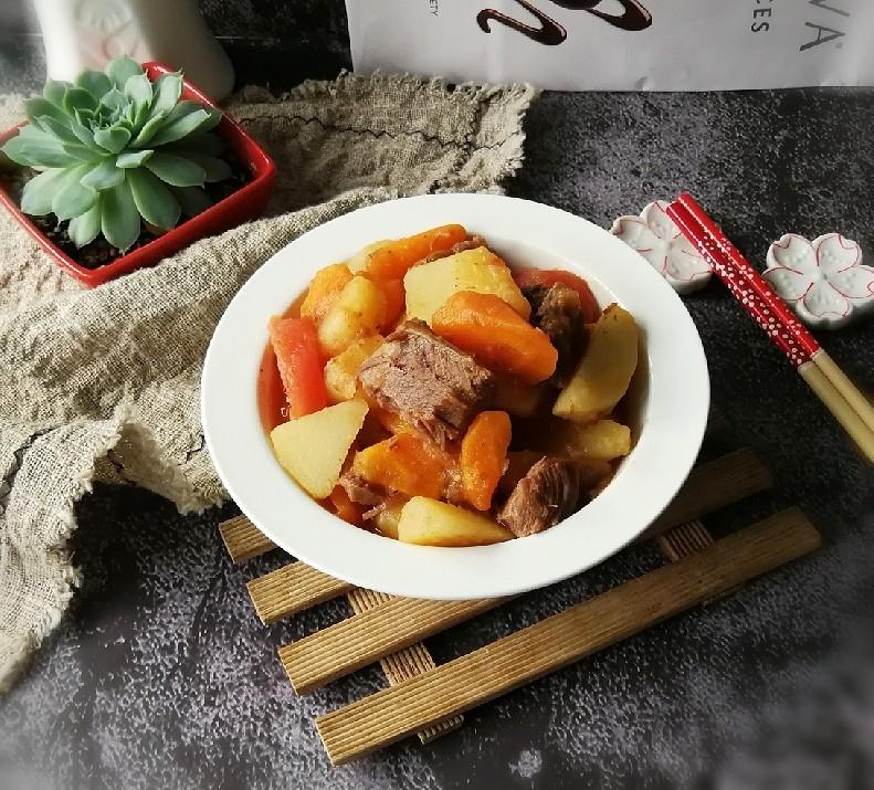 红烩牛肉土豆
