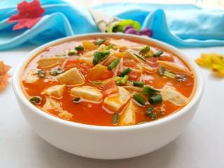 茄汁金针菇炖豆腐,可以出锅啦!特别开胃好吃!汤汁泡饭也很棒。