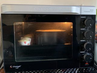 美美的酸奶蛋糕,120度预热烤1小时
