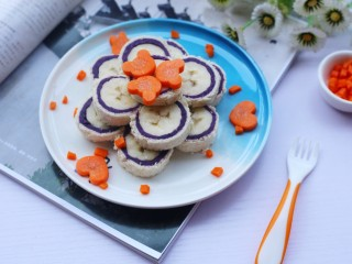简单又快手的紫薯香蕉土司卷,超级好吃。