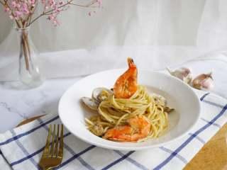 蒜蓉海鲜意大利面