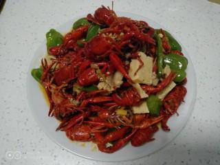 美味小龙虾,铛铛挡~开吃了。