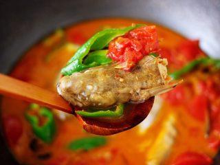 番茄啤酒炖光鱼,鲜掉眉毛又营养丰富的番茄啤酒炖光鱼,就出锅咯。