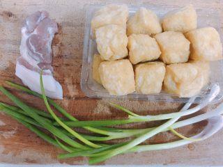 酿豆腐泡,食材仅需三种