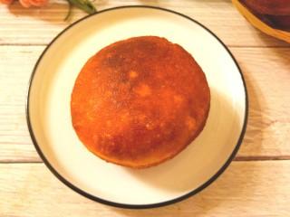 炸红豆沙馅酸奶面包,成品图二