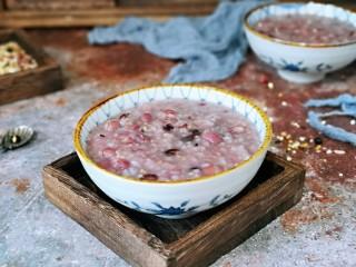 营养谷物杂粮粥,换个风格哈、~~早餐来一碗,养胃又养生。