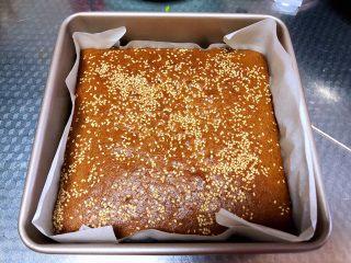 红枣糕(全蛋打发),取出晾凉