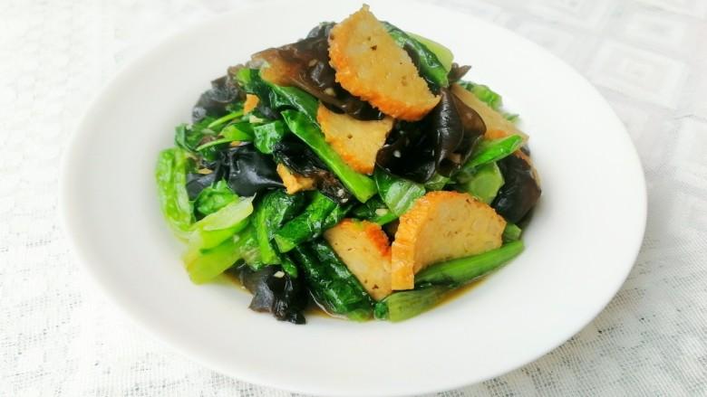 木耳肉卷炒油麦菜