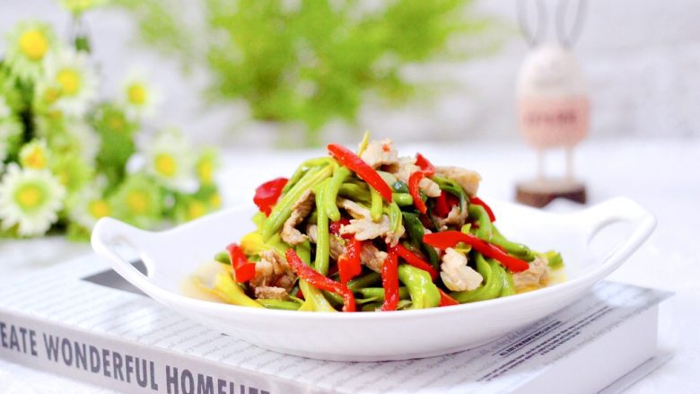 黄花菜炒肉片