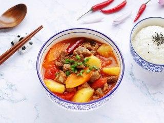 番茄土豆牛腩汤,可谓是色香味俱全,炖煮完直接先喝上两碗汤。