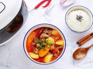番茄土豆牛腩汤,成品图。