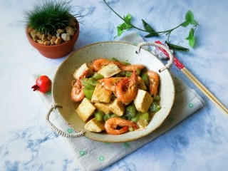 红虾烧丝瓜豆腐