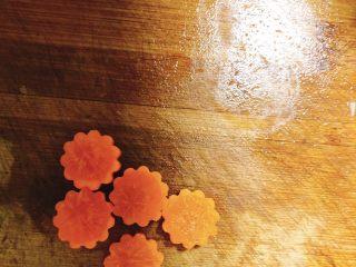 冬瓜山药排骨汤,分成5朵小花