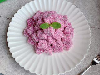 火龙果酸奶冻,装盘,开吃