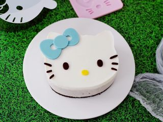6寸KT猫奥利奥慕斯蛋糕,成品图