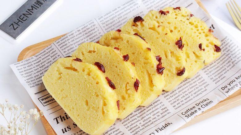 广式马拉糕,放凉后切块食用。