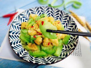 丝瓜炒油条,鲜嫩的丝瓜