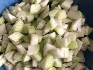番茄丝瓜补钙粥,丝瓜的用量都可以根据自己的喜好去增减