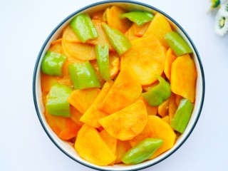 好吃到哭的茄汁土豆片,来一口。