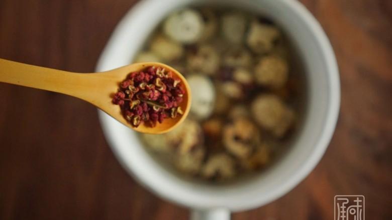传男不传女的茶叶鹌鹑蛋,没你想的那么难,二次烧开水,放入花椒