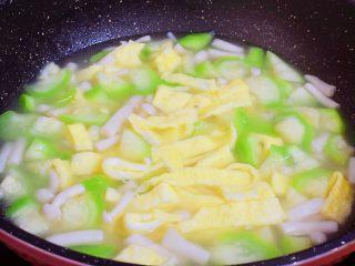 鸡蛋丝瓜汤,翻炒均匀即可