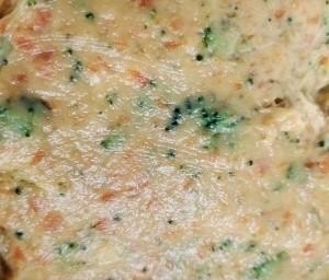 西兰花玉米鸡肉糕,直至搅打成泥状