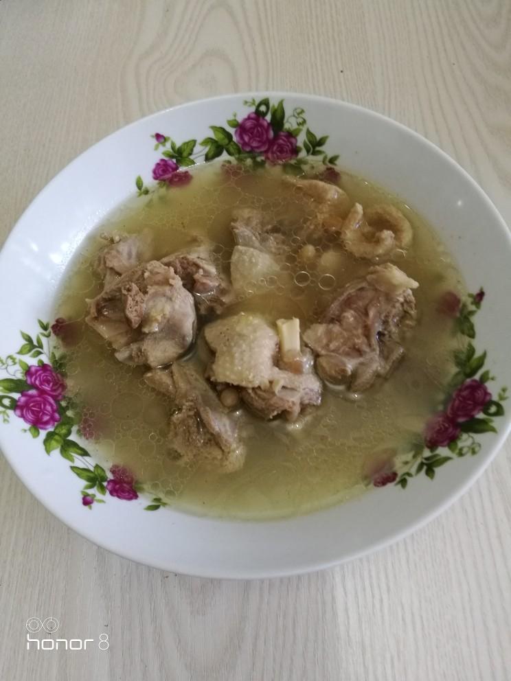 冬至美食十菜谱#麦冬沙参煲水鸭#创建于22/12~2019],装入汤碗。