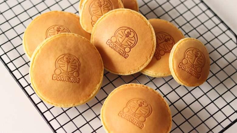 治愈哆啦A梦的美食,铜锣烧,所有的都这样制作按成。哆啦A梦最喜欢的铜锣烧就做好了
