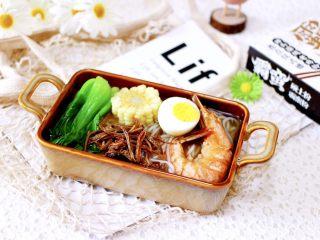 田头菇鸡汤时蔬海鲜米粉,这样的米粉、绝对是宝贝们的最爱。