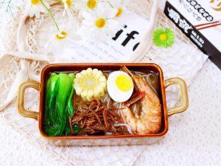 田头菇鸡汤时蔬海鲜米粉,成品一