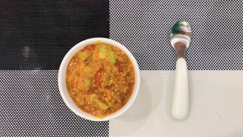 番茄丝瓜补钙粥,出锅啦。