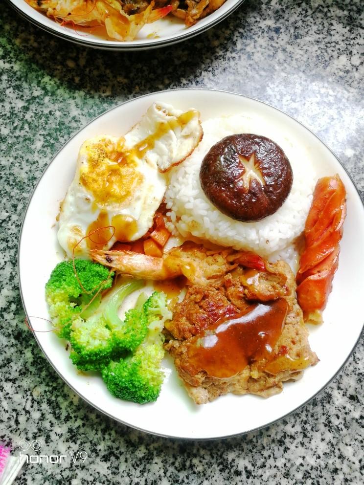 黑胡椒鸡扒,再来碗白米碗,摆出你喜欢的样子。