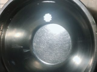 芋泥肉松泡芙,准备一盆凉水。