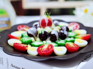 满园春色之蔬菜水果沙拉,营养丰富又健康美味的满园春色之蔬菜水果沙拉就做好咯。