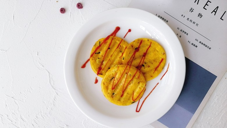 卷心菜鳕鱼虾皮蛋饼