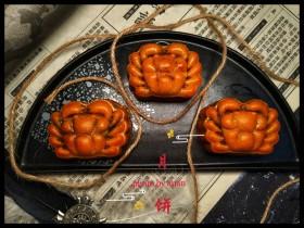 广式月饼~网红大螃蟹咸蛋黄月饼