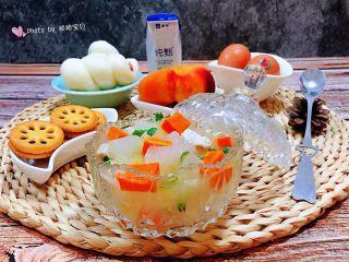 冬瓜胡萝卜肉丁汤,好营养的丰盛早餐
