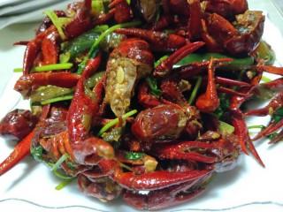 美味宵夜小龙虾,上桌开吃