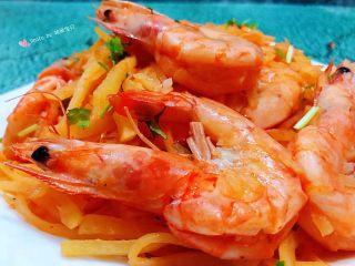 海虾炒土豆丝,海虾营养丰富常吃对身体健康有益处