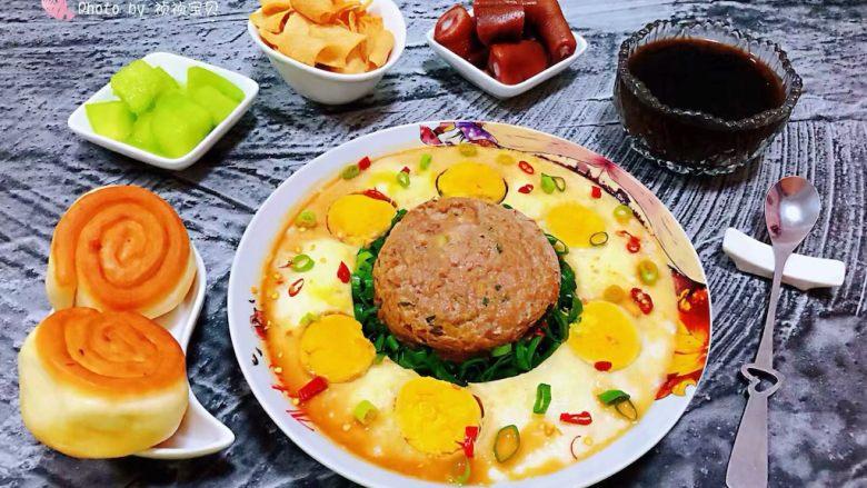 肉丸蒸蛋,肉丸蒸蛋绝对是宴客必备的拿手菜噢