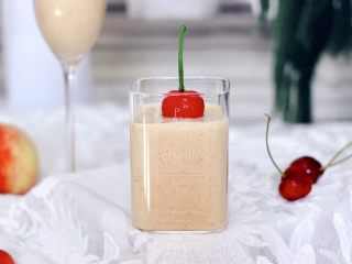 水蜜桃车厘子奶昔,颜值担当的水蜜桃车厘子奶昔就做好了,放到冰箱冷藏一下,口感会更好。