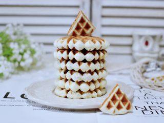 三色黎麦红薯华夫饼,配上一杯咖啡或是茶水,都是不错的选择。