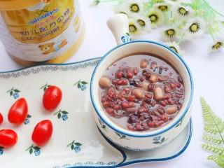 奶香红豆薏米杂粮粥,来一口呀。