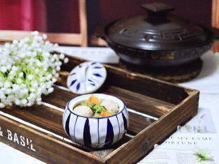 墨鱼丸子冬瓜木耳煲,鲜美可口又营养丰富,每次煲一锅不够喝。