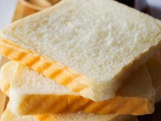 酸奶土司,成品图。做三明治或者涂果酱都很好吃~