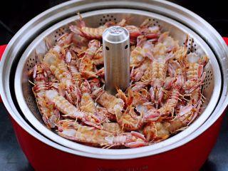 清蒸爬虾,鲜美无比的爬虾出锅咯。