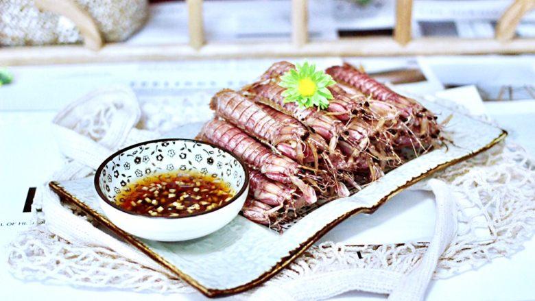 清蒸爬虾,搭配上姜汁,鲜美无比又解腻,每次2斤都不够吃的。