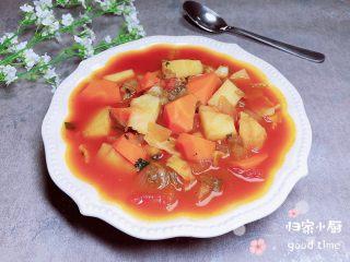 罗宋汤,一碗酸酸甜甜的罗宋汤就做好了,特别有食欲!